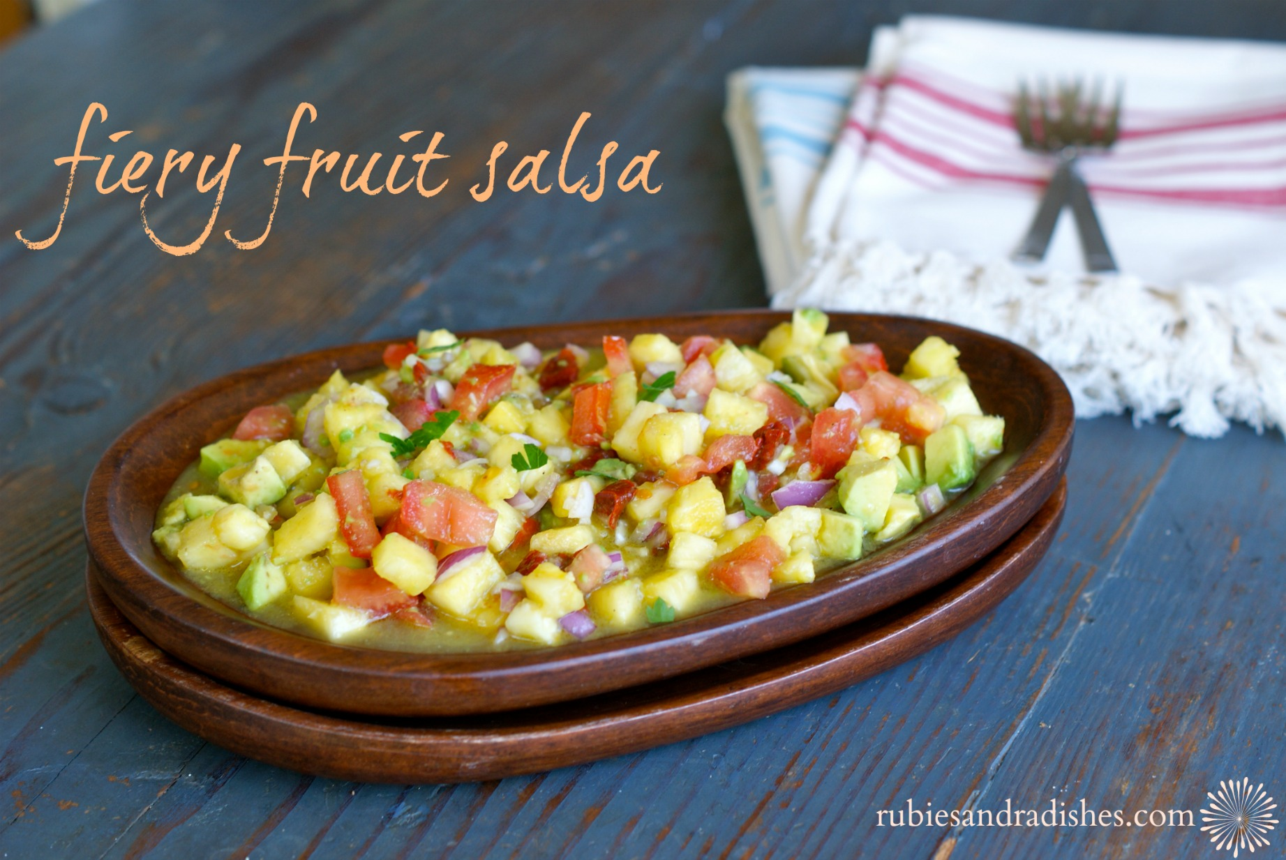 Fiery Fruit Salsa // rubiesandradishes.com