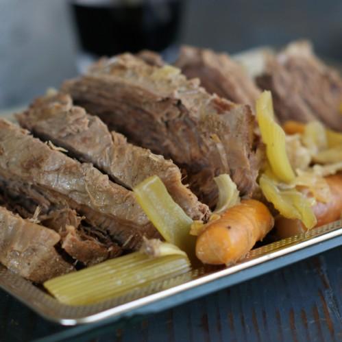 Slow Cooker Pot Roast // rubiesandradishes.com