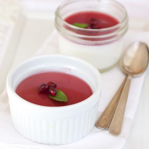Pomegranate Panna Cotta (dairy-free)