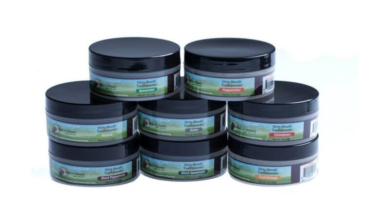 BLACK PEPPERMINT WHITENING TOOTHPOWDER