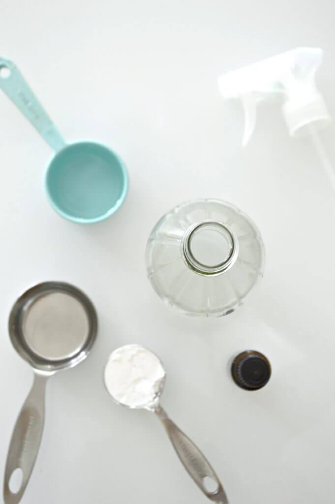 DIY Natural Window Cleaner - ingredients