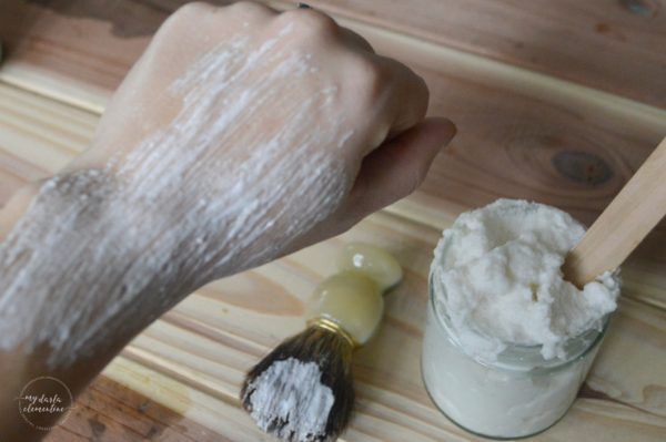 Want to make your own natural shaving cream, but don't know what recipe to use? Click in to read our favorite homemade version, as well as a comparison of 4 common diy shaving cream recipes, so you can find the one that will truly be best and easiest for you! All ingredients are non-toxic, eco friendly, plant-based, cheap, and simple!