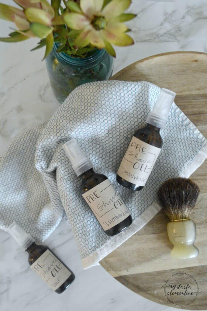 Perfect shaving with our natural DIY pre-shave oil. Essential oils and nourishing ingredients protect the skin & fight irritations and signs of aging..